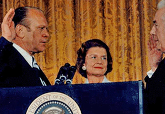 GERALD FORD, HIS WIFE BETTY, CHIEF JUSTICE WARREN E. BURGER - 1974