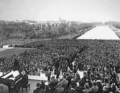 Marian Anderson performing at the Lincoln Memorial 1939