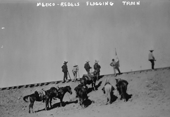 Mexico - Rebels flagging train